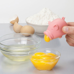 Separator do żółtek prosiaczek Pig Yolk by Peleg Design